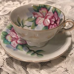 Teacup & saucer with pink lilies occupied japan